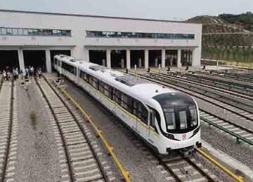 武汉地铁11号线葛店段、8号线二期两条地铁线路全线盾构贯通
