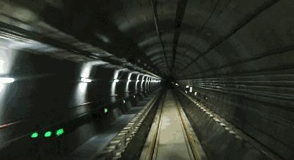 武汉两条地铁同日贯通 从光谷火车站到葛店南站仅需40分钟