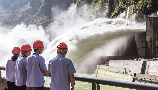 湖北最大在建水电工程江坪河水电站投产在即
