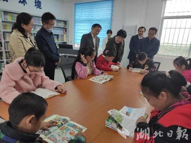 湖北文联的国家扶贫日系列活动在这里开展