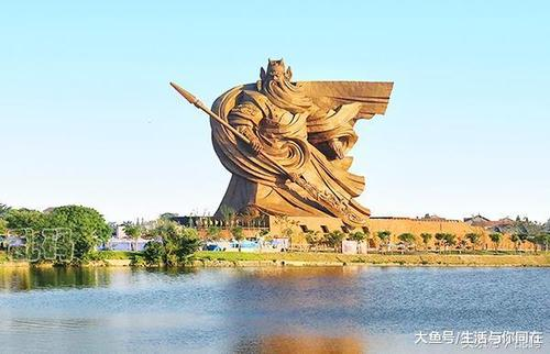 荆州最大关公像,有谁想到这个是一个违规建筑呢?