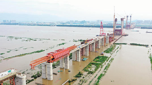 """燕矶长江大桥开工:诠释了""""要想富,先修路""""这句话"""