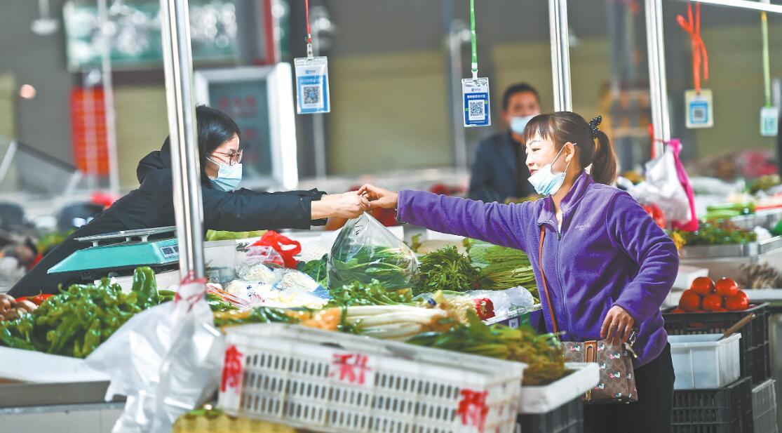 新洲区菜场换了新颜了,环境就像是逛超市哦!