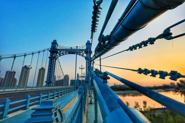 武汉大桥,藏着的是不同的美景